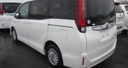 Toyota Noah G Hybrid
