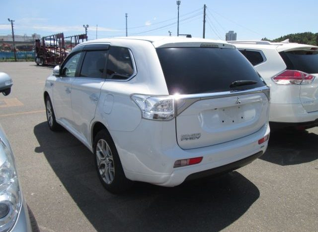 OUTLANDER PLUG IN HYBRID full