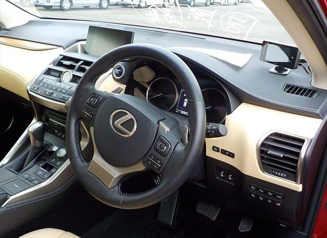 LEXUS NX 300 full